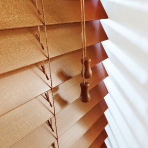 Cheap Bronzed Oak Next Day Wood Venetian Blinds With Cords
