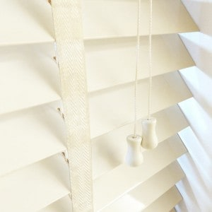 cheap cream next day wood venetian blinds with tapes