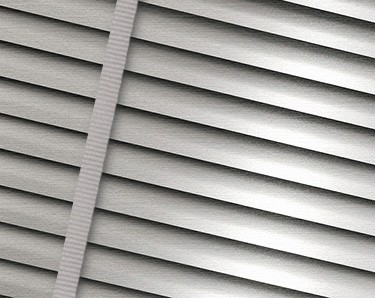 how to close venetian blinds